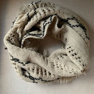 Accessories - 🍂🍁Infinity scarf with fringe trim 🍂🍁